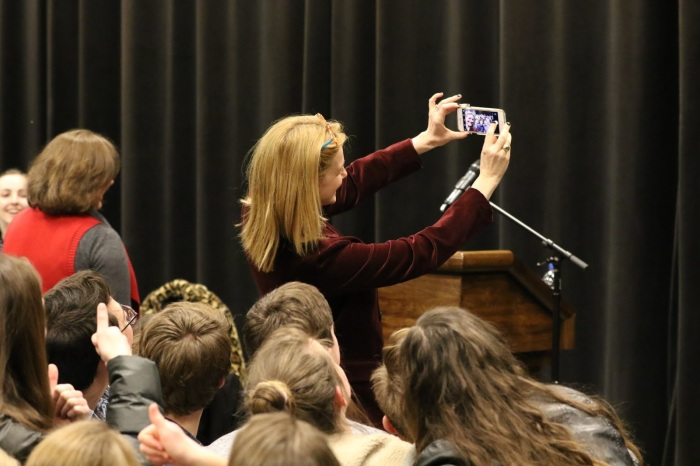 Laura Linney selfie